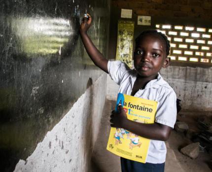 COMMUNIQUE DE PRESSE  Journée Mondiale de l'enfance : Les enfants doivent retrouver le chemin de l'école en toute sécurité